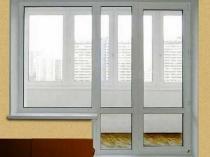 Распашная конструкция пластиковых дверей