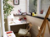 Переделка лоджии в уютный кабинет