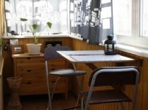 Размещение столовой зоны на лоджии