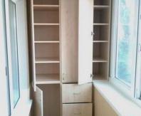 Шкаф с шухлядами для балкона