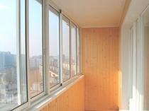 Раздвижные окна из пластика на лоджии