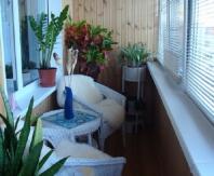 Пример комнаты для узкого балкона