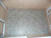 Керамическая напольная плитка на лоджии