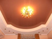 Фигурный плинтус для натяжного потолка