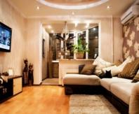 Подоконник балкона при совмещении можно использовать для вазонов